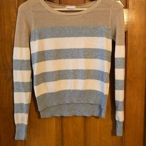 Cropped hi-lo sweater with mesh top